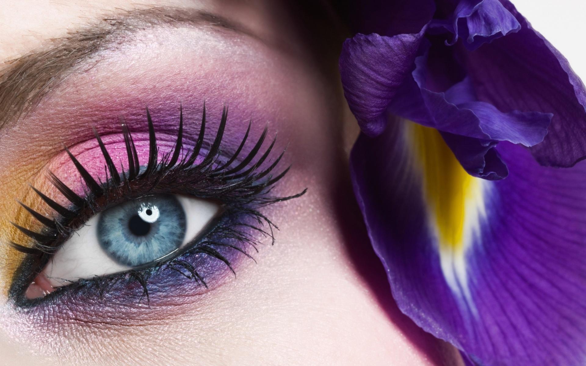 Açık Renkli Gözleri Korumalısınız