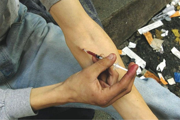 Gençlerde Uyuşturucu Kullanımı ve Belirtileri