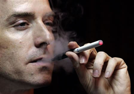 Sigara İçen Babaların Çocuklarında Kanser Risk Artıyor