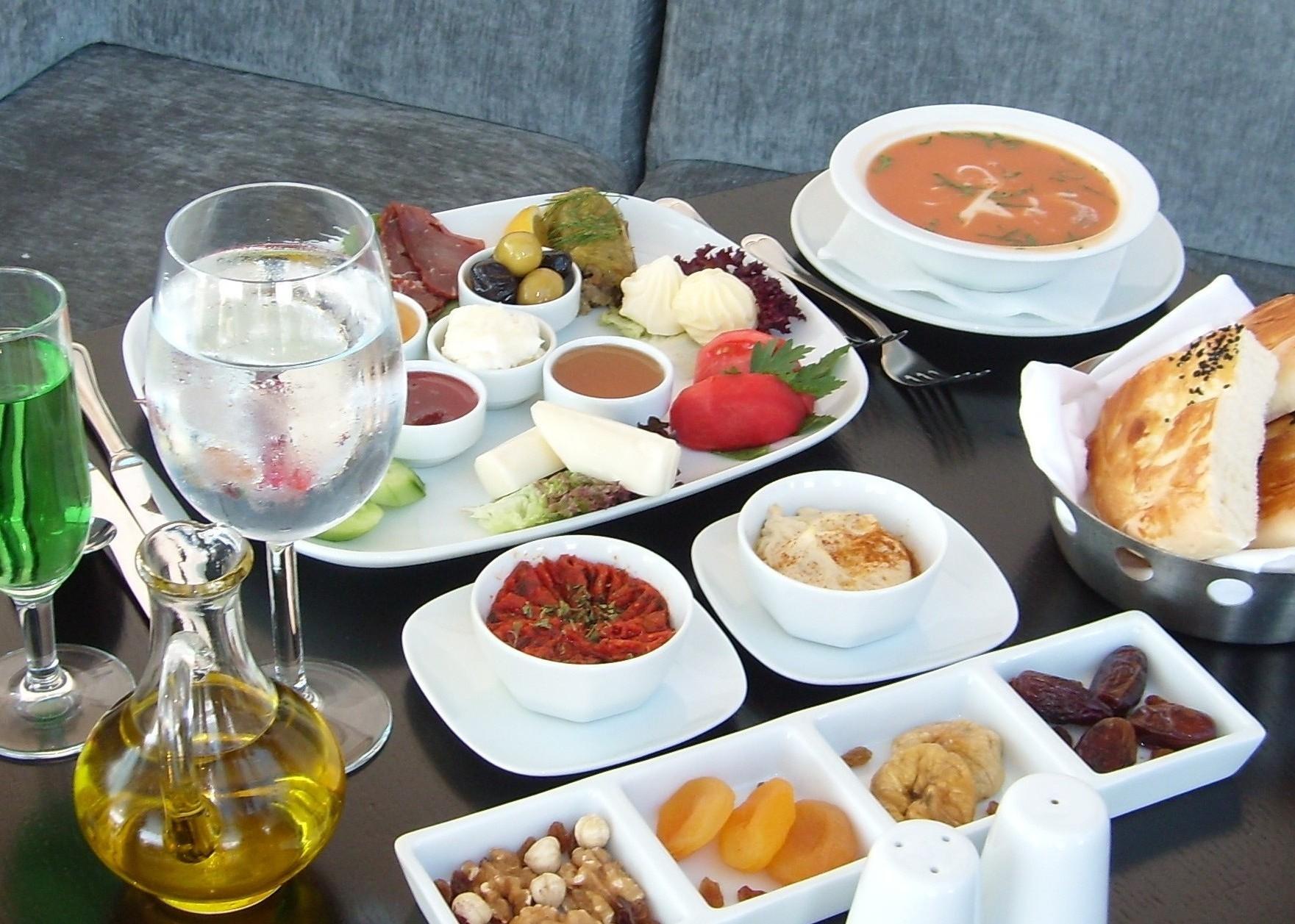 Ramazanda İftar ve Sahurda Beslenme İpuçları