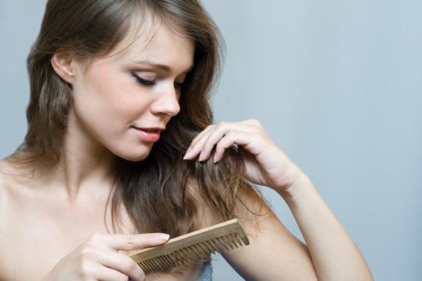 Saçı Fazla Taramak, Saçta Kırık Sayısını Artırır!