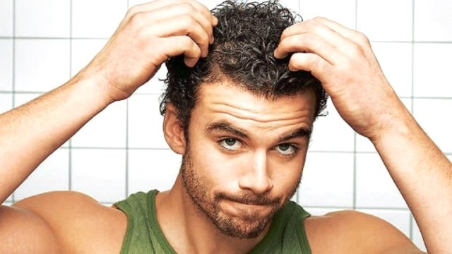 Saç Neden Dökülür?
