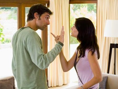 Kıskançlık Paranoyaları Çiftler Arasındaki İlişkide Önemli