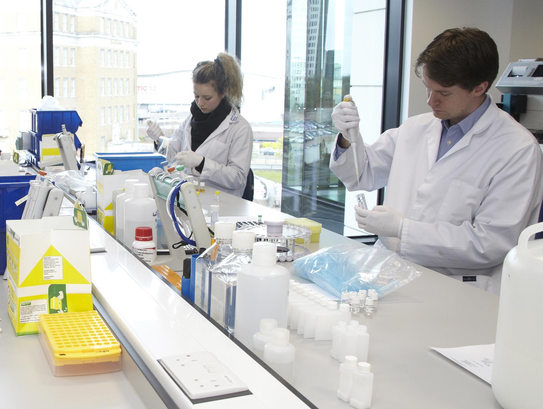 Hangi Laboratuvar Daha Güvenli