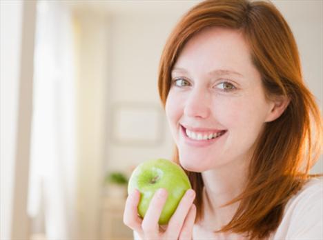 Her Gün Bir Elma Sizi 17 Yaş Gençleştirir