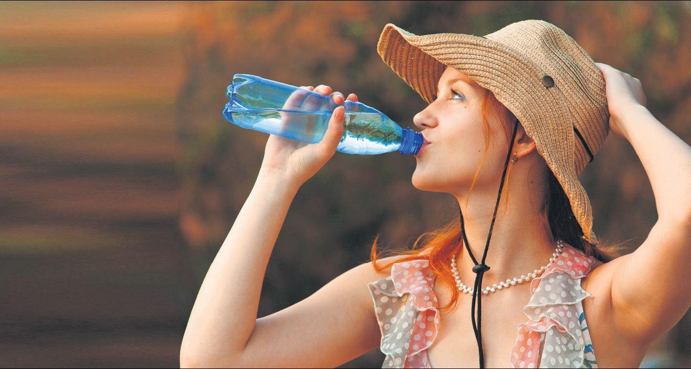 Aşırı Sıcaklarda Su Tüketmeyi Unutmayın!