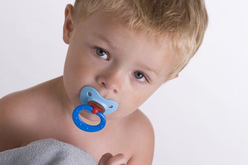 Bebeklerde Emzik Temizleme Yöntemi Alerjiyi Etkiler
