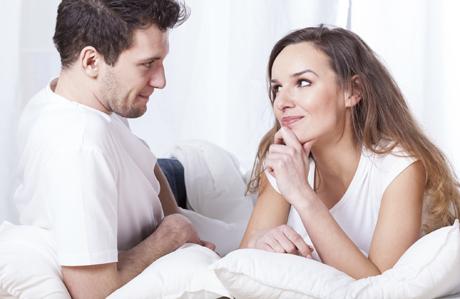 Cinsel Sorunları Arkadaşınızla Değil, Eşinizle Tartışın