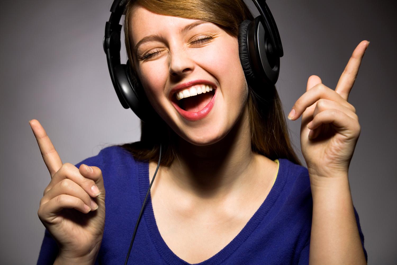 Yüksek Sesli Müzik Kulak Rahatsızlığına Davetiye Çıkarıyor