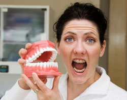Yapay Dişler Doğal Dişlerin Yerini Tutar mı?