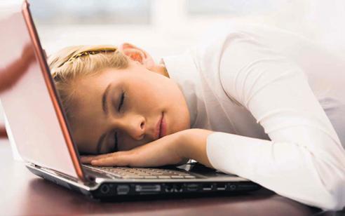 Kronik Yorgunluğun Belirtileri ve Sebebi Nedir?