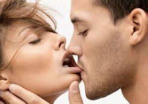 Öpüşmekle HIV bulaşır mı?