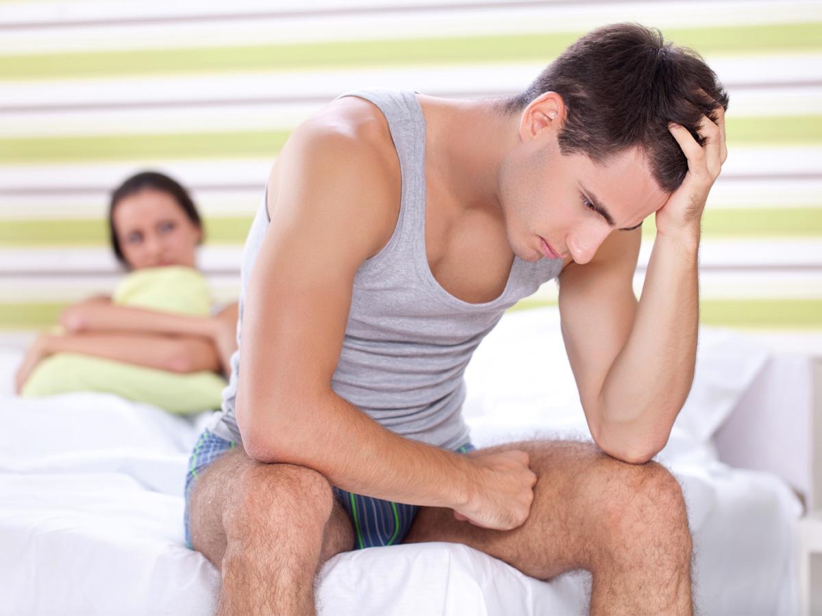 Erkekte Testis Ağrısının Sebepleri Nelerdir?