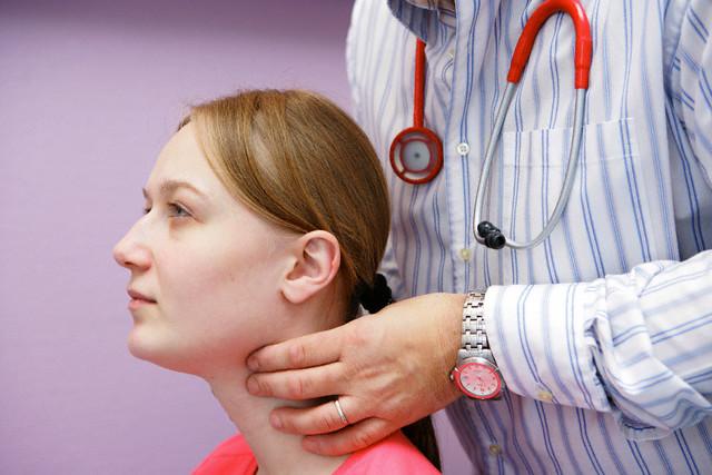 10 Soru ve Cevapta Tiroid Hastalıkları,Tiroid Testleri (ST3,ST4,TSH) ve Tiroid Testlerinin Yorumlanması