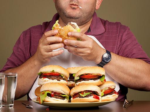 Tıkınırcasına Yeme Bozukluğu (Binge Eating Disorder) Belirtileri, Nedenleri ve Tedavisi
